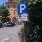 Parcheggio scuole a ore: il Comune risponde